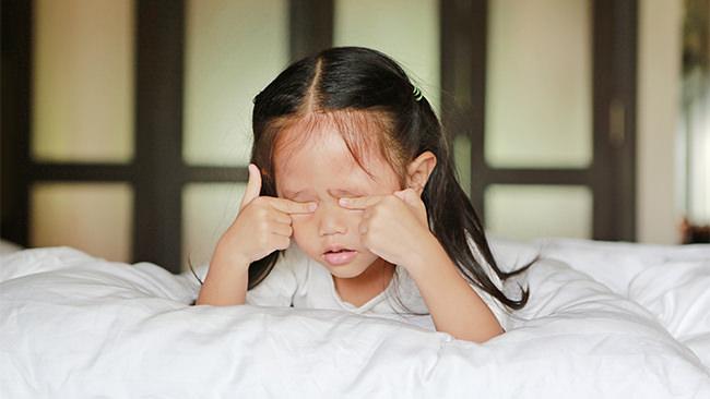 子どもの睡眠問題が危ない!?小中学生が睡眠不足に悩む理由とは?