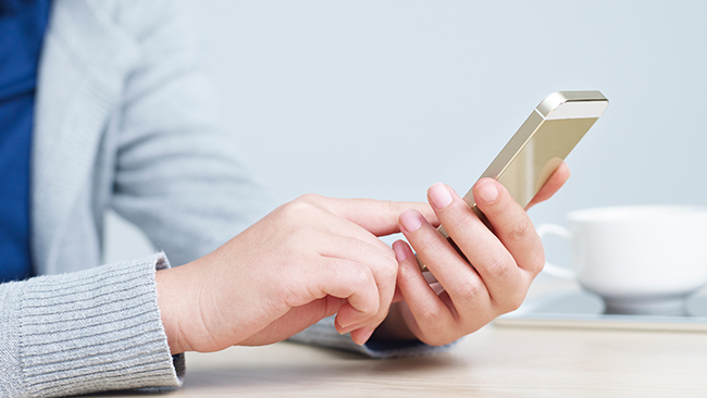 1日のSNS時間「30分~1時間」でも差が!高ストレス者とインターネットの関係が明らかに