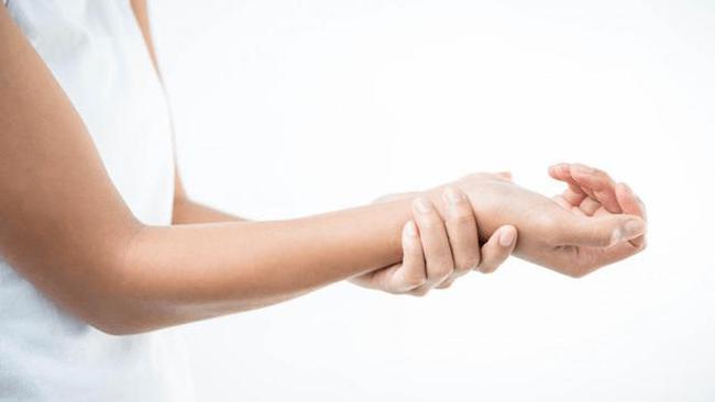 自律神経の乱れが整う医大実証エクサ「手首ゆらし」。現代人に多い交感神経優位の状態を正す方法