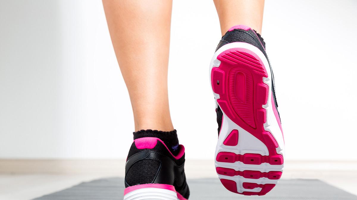 その場ジョギングで身体と脳の集中力を取り戻そう