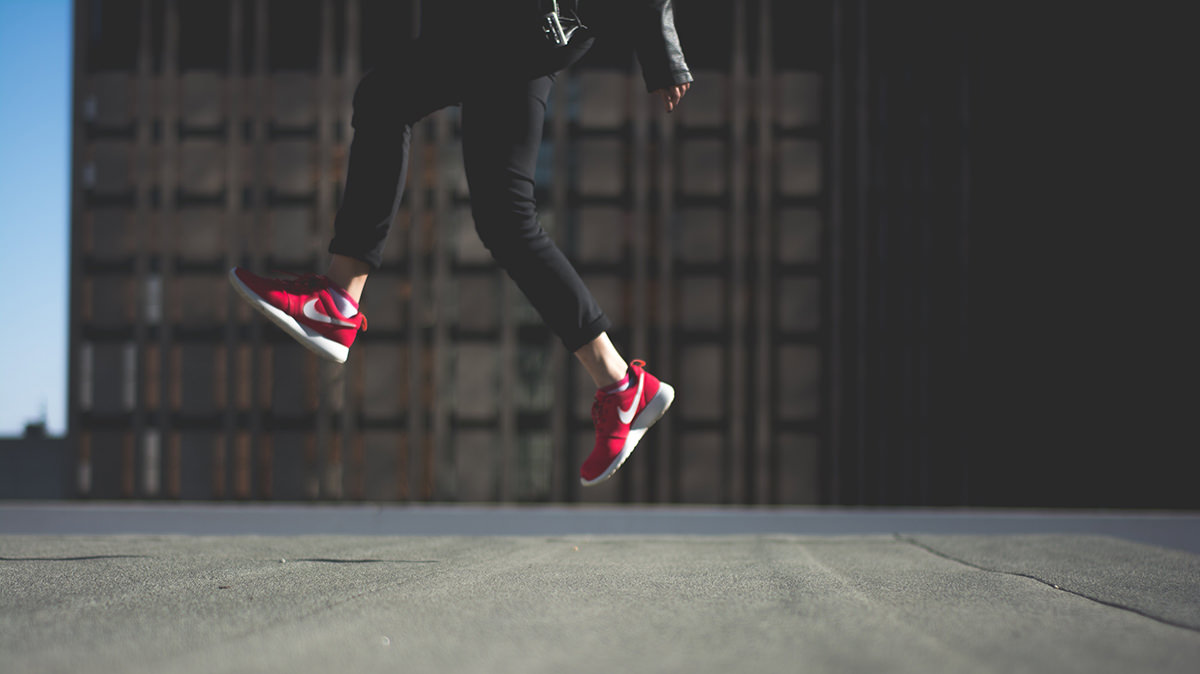 エア縄跳びジャンプ& 呼吸の瞬間リフレッシュ法で胃を動かそう