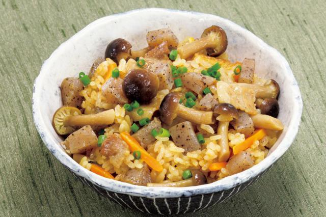 【冷え症の対策にぜひ!】体を内側から温めるレシピ「シメジ炊き込みご飯」