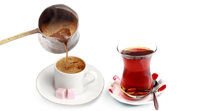 コーヒー派?紅茶派?脳の血流を活発にして仕事の生産性を高める飲み物とは?