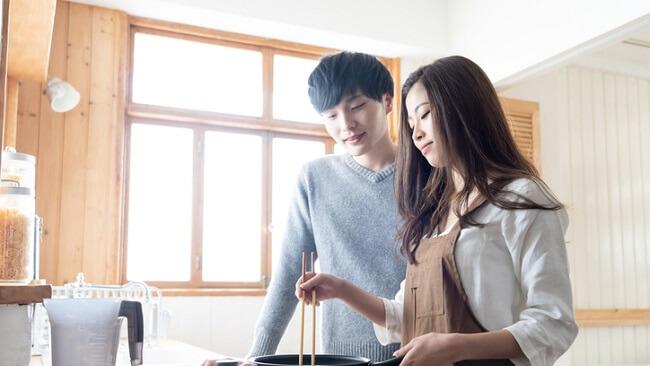 「一緒に料理をする」夫婦はしない夫婦に比べ円満度が1.2倍に!!