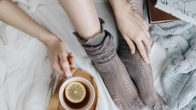 女性の約7割は体温が低いと自覚。その半数は末端冷え性!