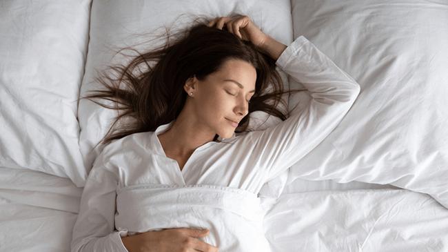 睡眠時間ワースト記録を更新!?国民の67%が仮眠を切望!!