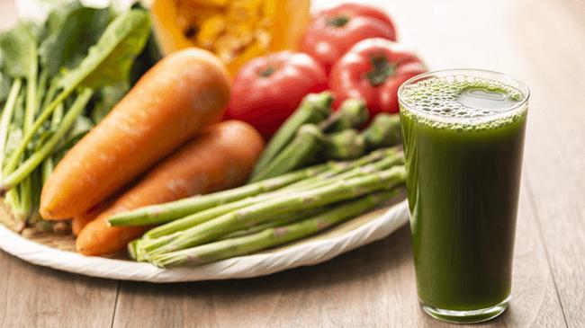 野菜ジュースを「ほとんど毎日飲む」人は10人に1人!飲用は朝食時に次いで、昼食時やくつろいでいるときも
