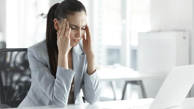 眼精疲労から起こる頭痛について