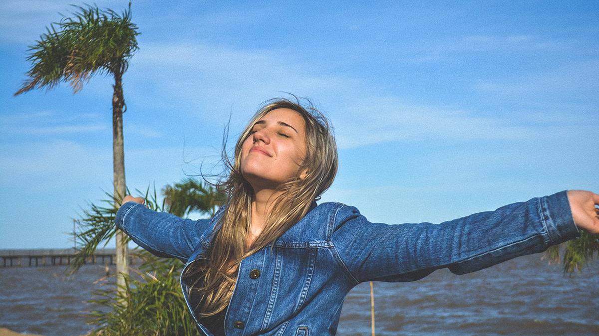 腕をグルグル回す体操と呼吸法でパワーをアップしよう