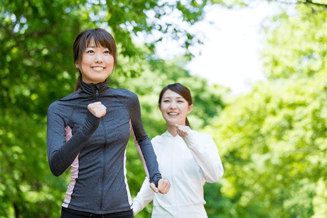 筋肉が落ちたと感じる人は5割強!始めやすく続けやすい「体操」「筋トレ」「ウォーキング」が人気!