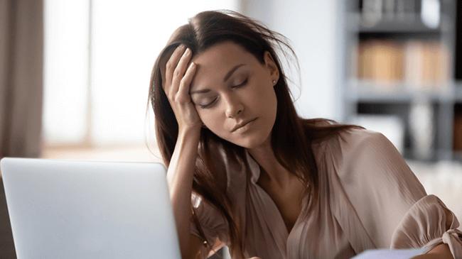不安疲労が増えたと感じる人は過半数に。元気スイッチは「ありがとう」のことば